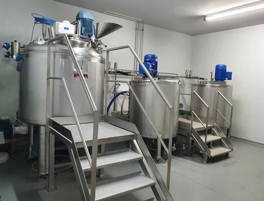 Udstyr til fremstilling af hydroalkoholisk gel