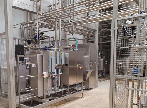Linje til fremstilling af forskellige mejeriprodukter